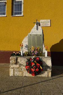 pamätník v Liptovskej Tepličke