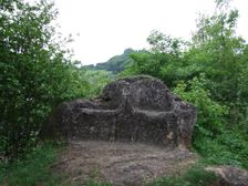 Kamenná sedačka