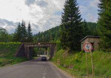 Pred mostom