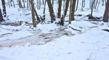 zima a v nej potok