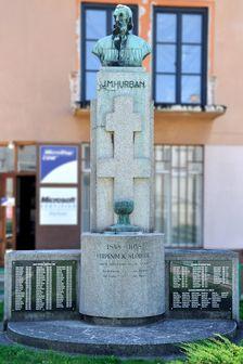 Pomník Slobody s bustou J. M. Hurbana