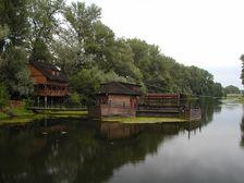 Plávajúci vodný mlyn