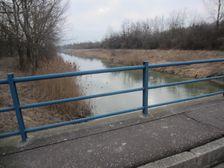 Vodný kanál pri Dunaji