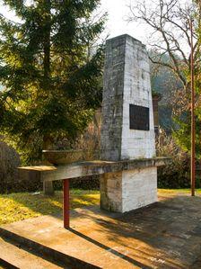 Pamätník v Obišovciach