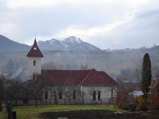 Kalameny kostol a masív Choča
