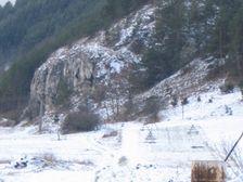 Skala, kde sa nachadza vstup do Liskovskej jaskyne