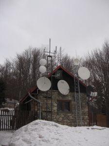 Chata na Kľačianskej Magure - servisný domček pri chate a vysielače