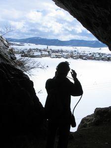vstupný portál Liskovskej jaskyne v zime