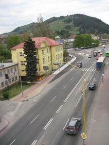 Považská ulica-križovatka ciest E50(18) a E77(59)