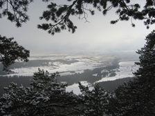 Mních a pohlad smerom do Bobrovca