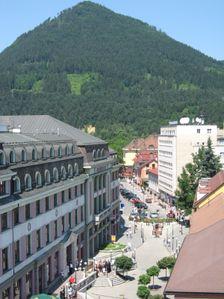 Bernolákova ulica a vrchol Čebraťa