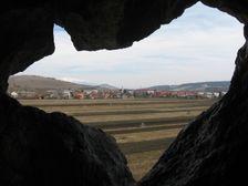 Výhlad na Liskovú od bočného vchodu do Liskovskej jaskyne