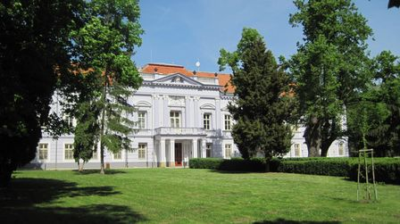 Kaštiel - Mojmírovce