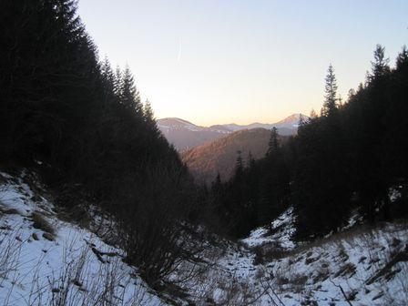 Pustá dolina v Korytnici smerom na Fedorku na Rakytov