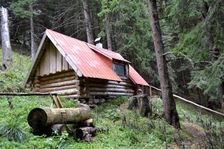 Polovnicka chata na Jaloviarke
