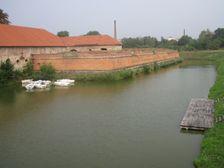 Holic - hradby opevnenia zamku